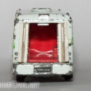 Tomica Isuzu Bus: 1979 No. 8 Isuzu Blood Bank Car Rear Open