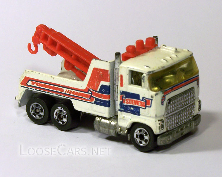 Hot Wheels Rig Wrecker: 1983 #3916 Front Right