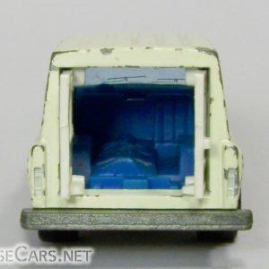 Majorette Jeep Cherokee Ambulance: 269 White and Blue Door