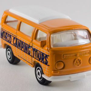 Matchbox Volkswagen T2 Bus: 2011 Camping Adventure Front Right