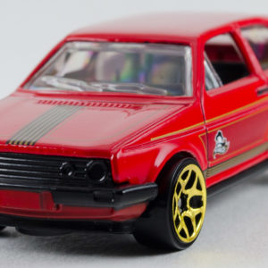 Hot Wheels VW Golf: 2015 Holiday Front Left