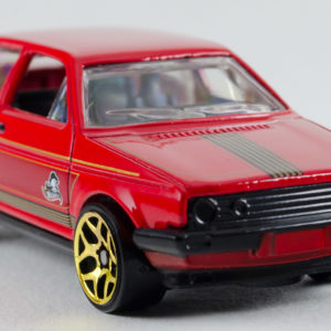 Hot Wheels VW Golf: 2015 Holiday Front Right