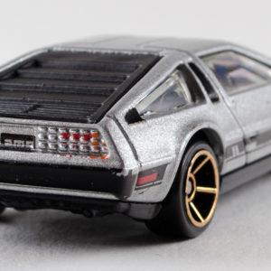 Hot Wheels '81 DeLorean DMC-12: 2011 #141 Rear Right