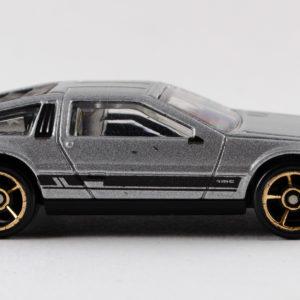 Hot Wheels '81 DeLorean DMC-12: 2011 #141 Right
