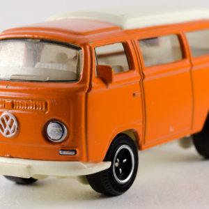 Matchbox Volkswagen T2 Bus: 2008 #79 Front Left