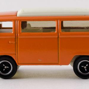Matchbox Volkswagen T2 Bus: 2008 #79 Left