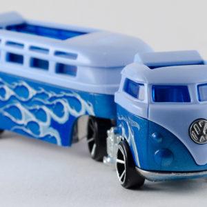 Hot Wheels Custom Volkswagen Hauler: 2018 Track Stars Front Right