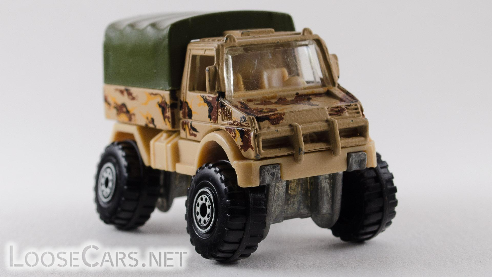 Hot Wheels Mercedes-Benz Unimog: 1993 239 WCT Front Right