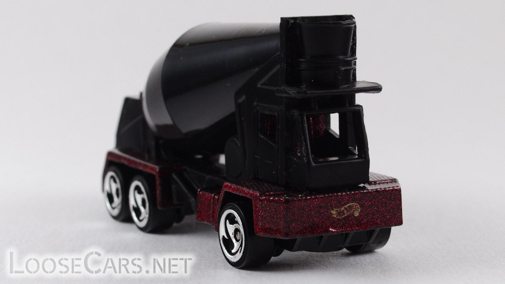 Hot Wheels Oshkosh Cement Mixer: 1999 #1011 Front Right